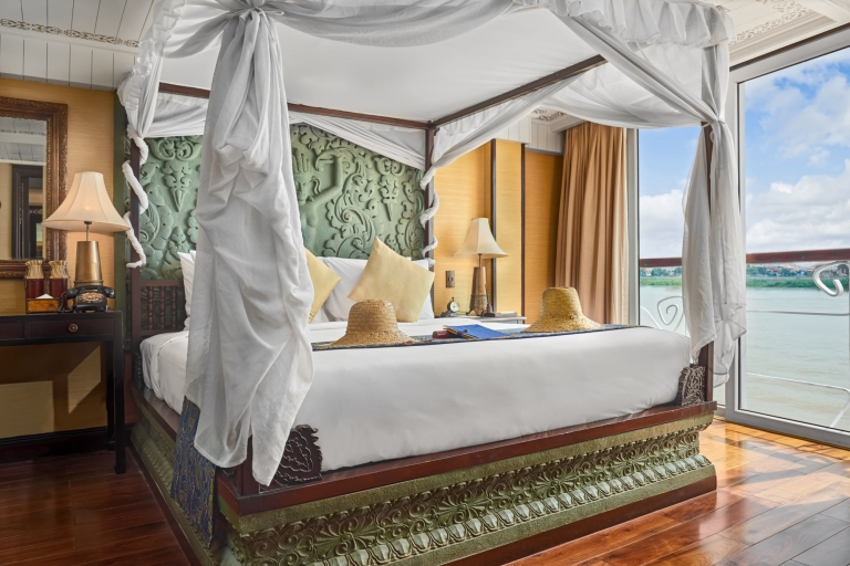 Vietnam river cruise photographer Jayavarman Suite