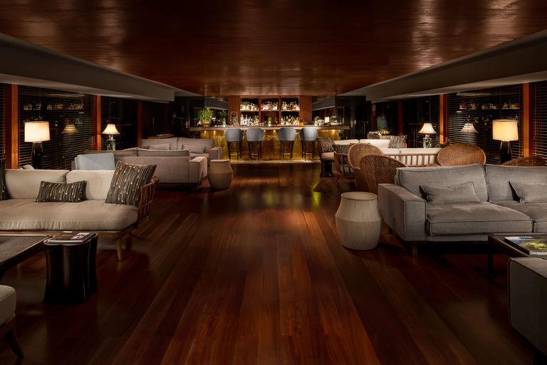 myanmar luxury river cruise photographer